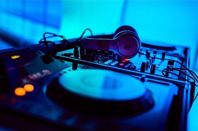Beats Kopfhörer im HardwareSchotte-Preisvergleich günstig kaufen